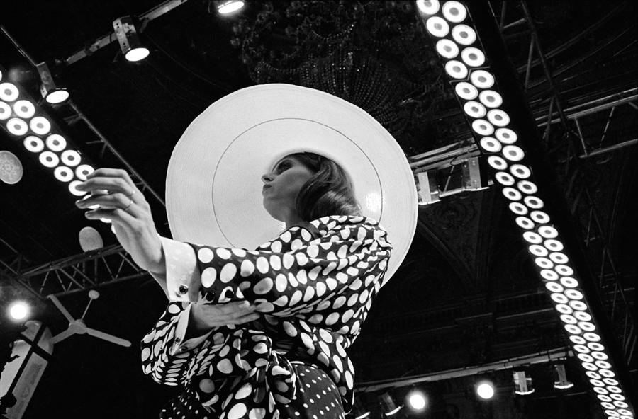 FRANCE. Paris. Haute-Couture Collections. UNGARO fashion show. January 1986.