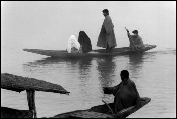 INDIA. Kashmir. Srinagar. 1992. Lake Dal.