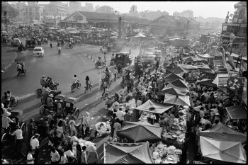 VIETNAM (South). Saigon. 1972. The busy market.